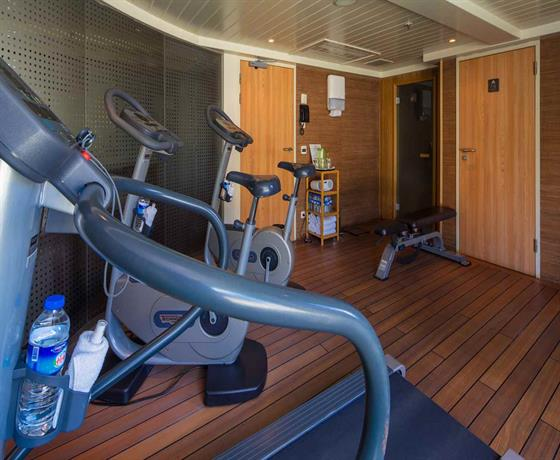 /cruiseimages/assets/images/jetline/ship/AmaDante-gym.jpg