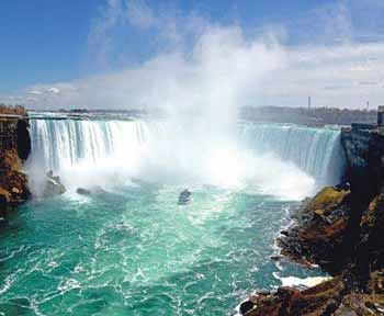 Niagara Sights & All-Inclusive Cruise Delights